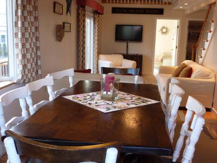 Dining Table - Plum Island Beach House Rental